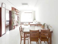 颐清花园精装两居室,首 次出租,看房方便。临近金帆广场。