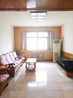 广厦南里中区精装三居室,拎包入住,看房方便,临近三中。