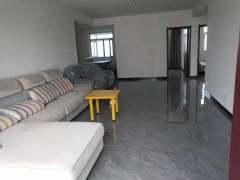 3室2厅1卫2500元/月135m²精装修出租