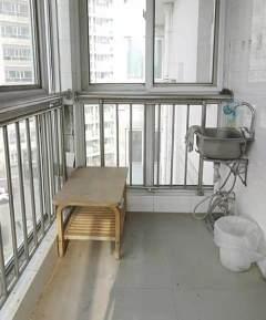 静湖花园东区 3室2厅  95万132.2m²  中档装修出售
