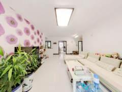 靠谱卖 紧邻8中14小 新湾花园 好楼层 精装三室双卫大通透户型 屋子特别干净