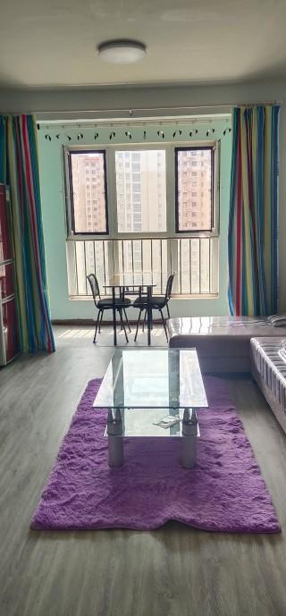 金汇湾小区3室精装修租金2000可议